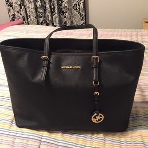 Michael Kors Large Leather Jet Set Tote